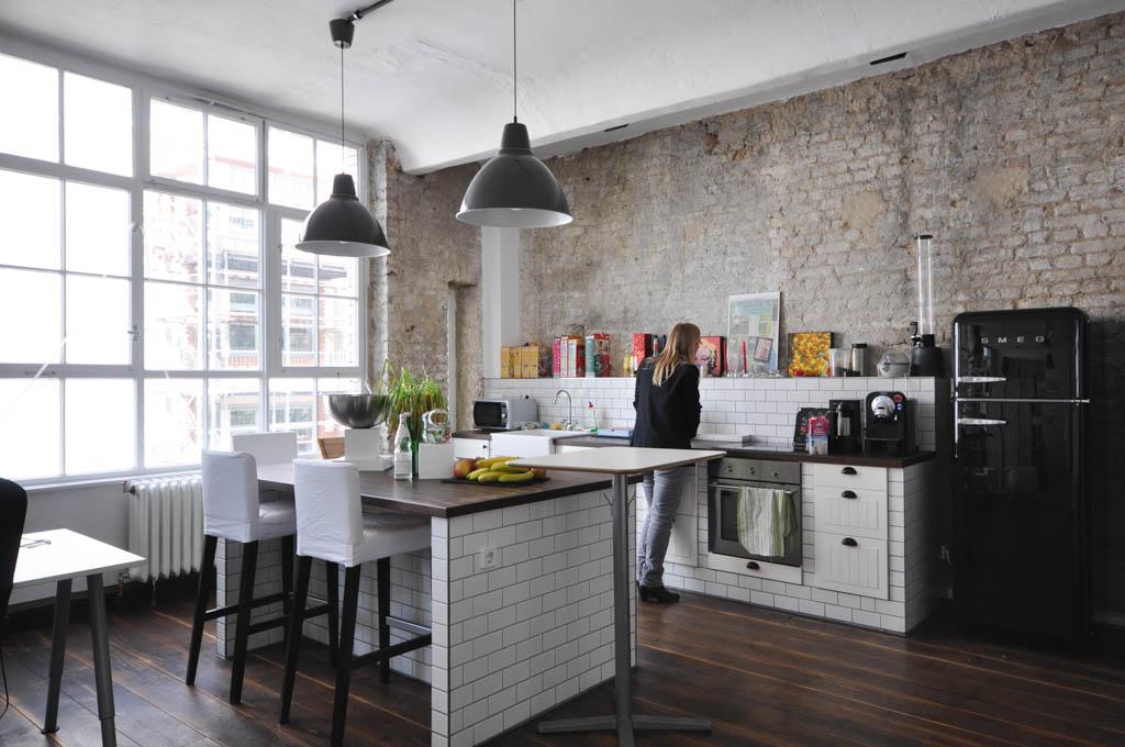Auch bei Amorelie gibt es eine kleine Küche, in der die Mitarbeiter in den Pausen einen Kaffee oder etwas zu essen zubereiten können.