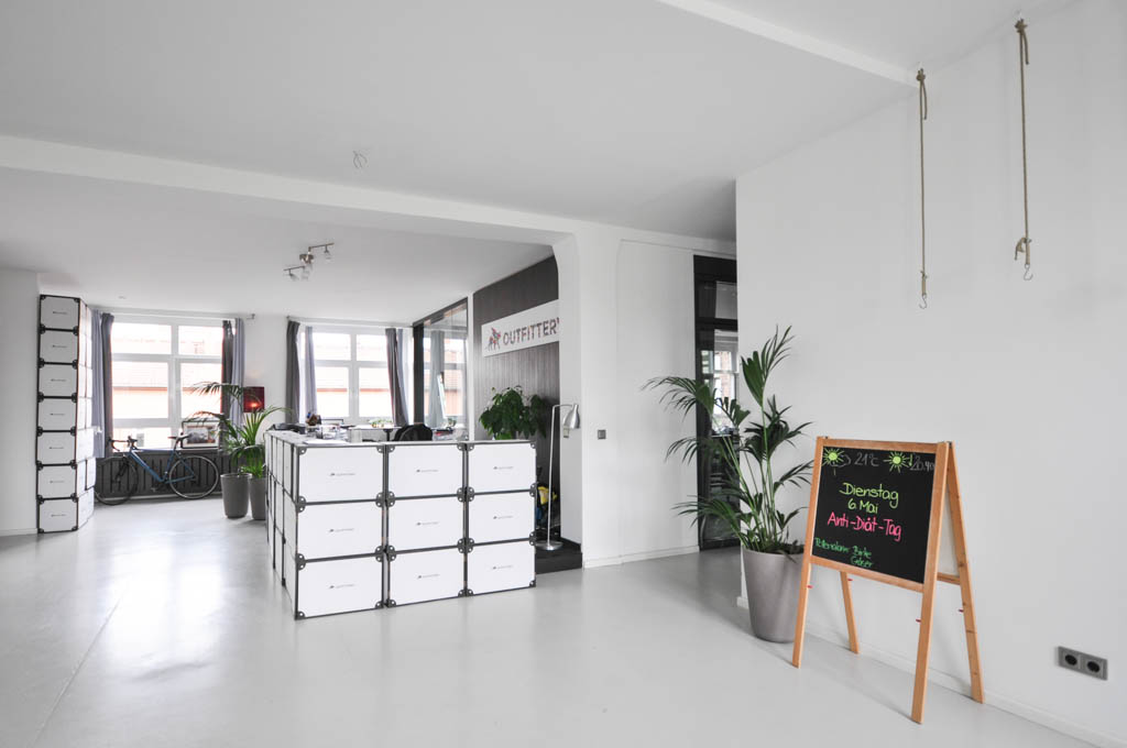 Outfittery hat sich auf kuratiertes Shopping für Männer spezialisiert. Das Berliner Start-up rüstet seine Kunden vom Büro am Leuschnerdamm in Berlin mit Schuhen, Hosen, Anzügen und noch vielem mehr aus.